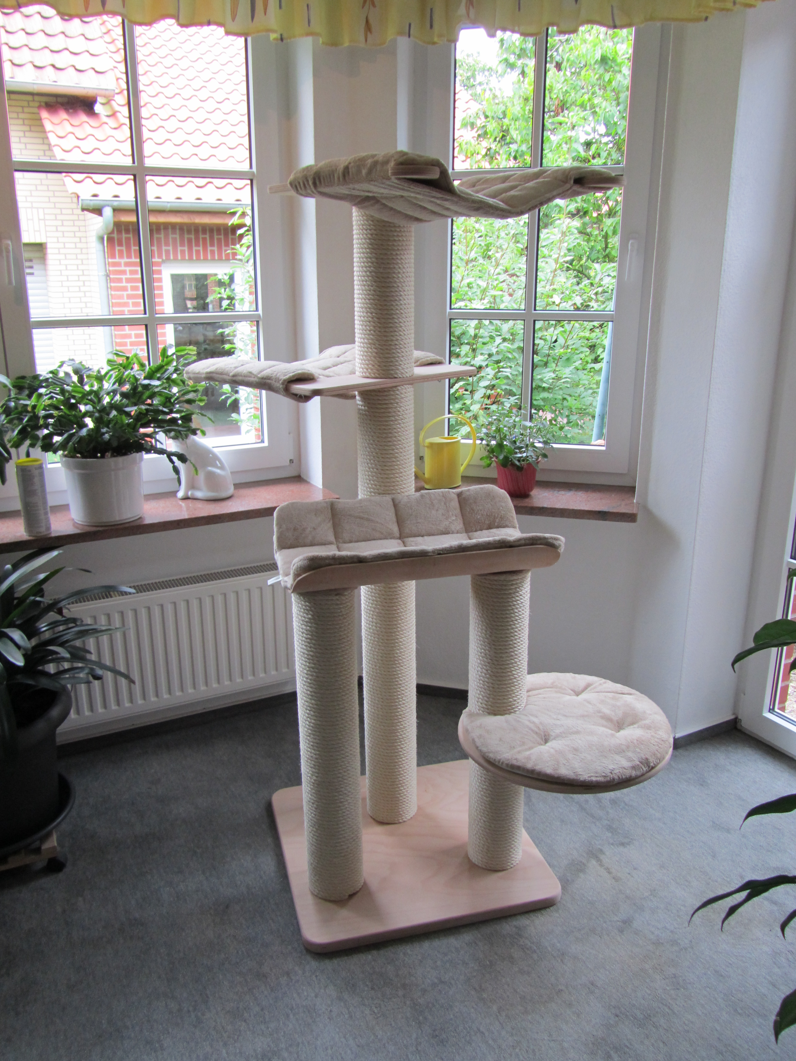 kirstins heimtier shop kratzbaum m4 07. Black Bedroom Furniture Sets. Home Design Ideas